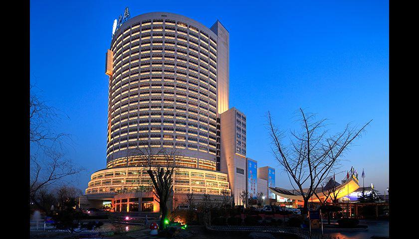 热烈祝贺山东省第15次外科学学术会议暨第26届全国腹腔镜手术演示研讨会在济南成功举办